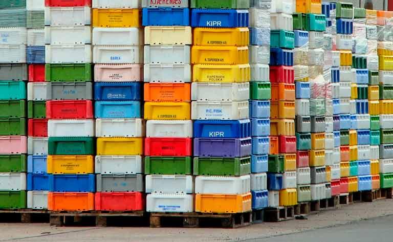 cajas de pescado para la cubierta