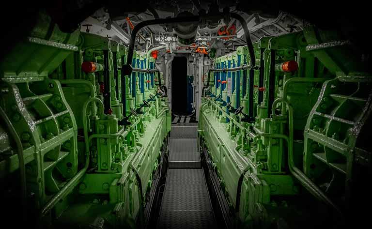sala de maquinas de buque